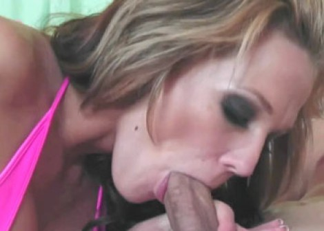 Busty blonde Nikki is getting laid